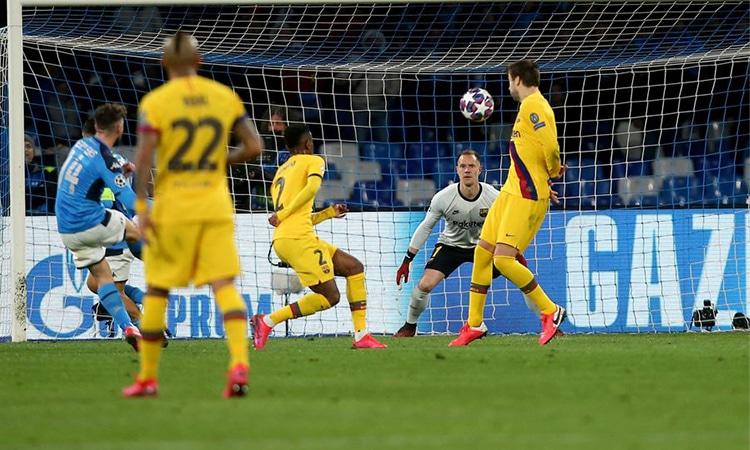 วิเคราะห์บอล ยูฟ่า แชมเปี้ยนส์ ลีก รอบ 16 ทีมสุดท้าย นัดสอง บาร์เซโลน่า – นาโปลี
